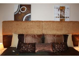 Robertsbridge Retreat at Cornhill Luxury Apts - Robertsbridge vacation rentals