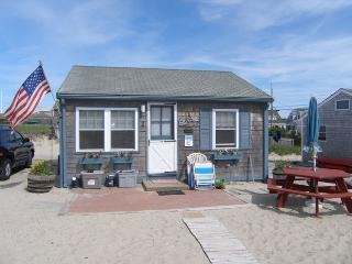 Bright 2 bedroom East Sandwich House with Internet Access - East Sandwich vacation rentals