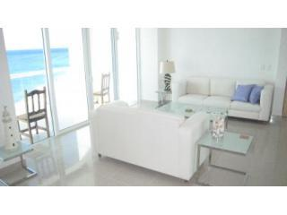 Spectacular 3BR/4BA Luxury Oceanfront (Pg-3a) - Cozumel vacation rentals