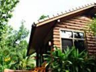 Punjen Hide-Away Family Tours Something different - Phrae vacation rentals