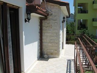 001KLUK A2(2+1) - Kastel Luksic - Kastel Luksic vacation rentals
