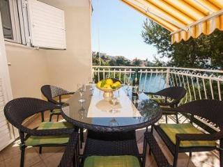 01812OKRG A1(6) - Okrug Gornji - Island Ciovo vacation rentals