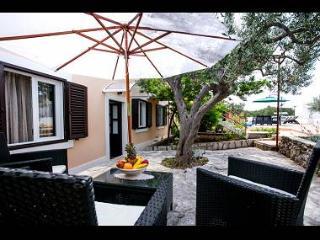 00201MILN H(11) - Milna (Brac) - Milna (Brac) vacation rentals