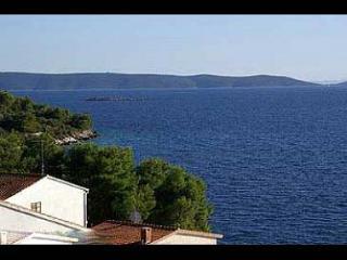 001OKRGD  A3(2+2) - Okrug Donji - Okrug Donji vacation rentals