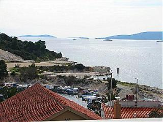 00212OKRD  A1(2+2) - Okrug Donji - Okrug Donji vacation rentals