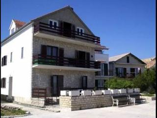 2519  A2(2+1) - Betina - Island Murter vacation rentals