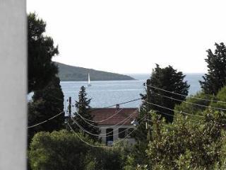 2060 A1(2+2) - Muline - Ugljan vacation rentals