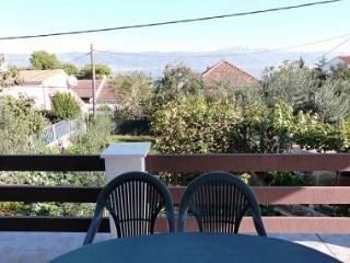 00212SLAT  A3(4+2) - Slatine - Island Ciovo vacation rentals