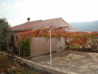 2139 SA2 rozi(2) - Brbinj - Island Dugi Otok vacation rentals