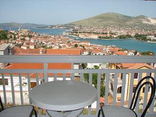 003TROG SA3(2) - Trogir - Trogir vacation rentals