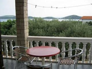 01306TRIB SA1(2+1) - Tribunj - Tribunj vacation rentals