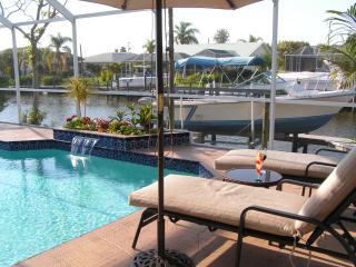 AWARDED TOP RENTAL BY TRIPADVISOR 3 YEARS RUNNING - Cape Coral vacation rentals