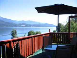 Ainsworth Springs Apartments - Sunset Apartment - Ainsworth Hot Springs vacation rentals