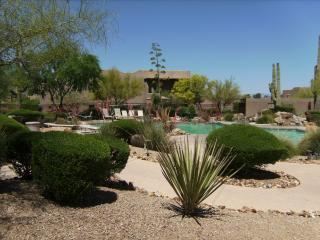Mountain Views and Peaceful Setting in Carefree - Carefree vacation rentals