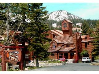 "Aspen Creek Condominium Complex, Mammoths finest - ""The Treehouse"" Luxury View Condo - Mammoth Lakes - rentals"