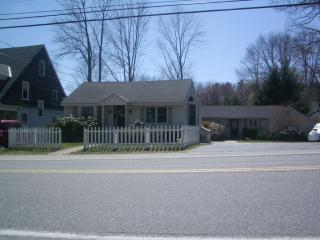 Adorable one Bdrm Cottage Apartment - Casino Beach - Cape Elizabeth vacation rentals