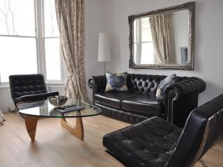 London Vacation House with 2 Bedrooms - London vacation rentals