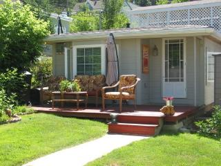 Backyard Cottage B&B; - Lead vacation rentals