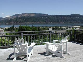 Hood River Hideaways, Fantastic River Views - Hood River vacation rentals