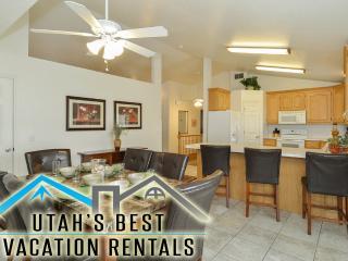 Best Value in SLC! Spa+Billiards+Huge Yard+Plygrnd - Salt Lake City vacation rentals