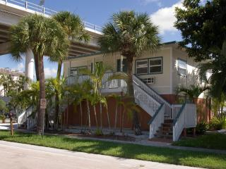 Times Square/downtown  newly furnished studio - Florida South Central Gulf Coast vacation rentals
