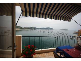 Les Flots Bleus, Villefranche sur Mer - Excellent Apartment with Views across the Mediterranean - Villefranche-sur-Mer vacation rentals
