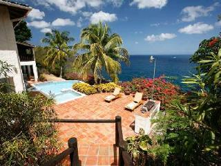 La Paloma - Luxury villa near beach with pool, spacious patio & sea views - Saint Lucia vacation rentals