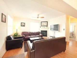 Contemporary Home - Niagara Falls vacation rentals