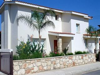 Modern 3 bedroom villa - free wifi - 300m from the - Paphos vacation rentals
