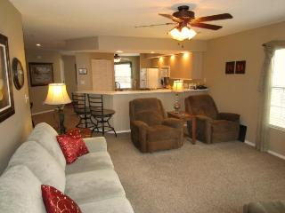 Brook, Poolside Walk In, Recliners! | Meadow Brook - Branson vacation rentals