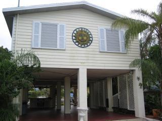 157 Ojibway Ave - 28 NIGHT MINIMUM - Islamorada vacation rentals