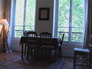 Eiffel Tower 2 bedroom (3008) - Versailles vacation rentals