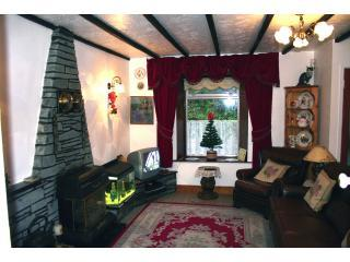 living room2 0f 2 - Fishguard propertys Thorn  cottage - Fishguard - rentals