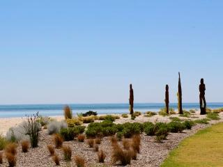 """EDGE"" - FANTASTIC location - Dunsborough vacation rentals"