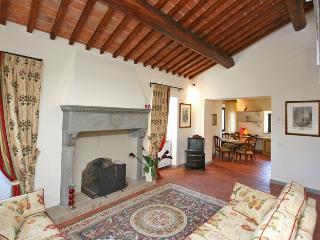 Charming Apartments in Tuscany Perfect for a Family Holiday - Casa Mercatale - Mercatale di Cortona vacation rentals