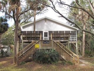 "617 Pompano St  - ""Tree Tops"" - Edisto Beach vacation rentals"