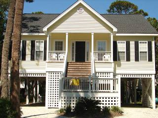 "813 Cheehaw St - "" Bee Gee's Getaway"" - Edisto Beach vacation rentals"