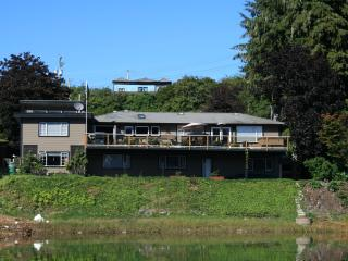 3 bedroom Bed and Breakfast with Internet Access in Port Hardy - Port Hardy vacation rentals