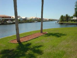 Waterfront Home w/ Pool,160' of waterfront, kayak - Apollo Beach vacation rentals
