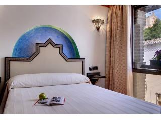 EXECUTIVE Bedroom I - Apartamentos Muralla Ziri - EXECUTIVE Alhambra View - Granada - rentals