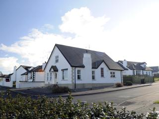 Tara Lodge Castlerock, 5 Star Accommodation - Castlerock vacation rentals
