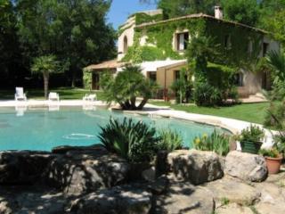 Holiday rental Villas Les Milles - Aix en Provence (Bouches-du-Rhône), 300 m², 4 800 € - Aix-en-Provence vacation rentals