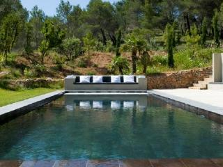 Wonderful 5 Bedroom Vacation House, in Aix en Provence - Villelaure vacation rentals