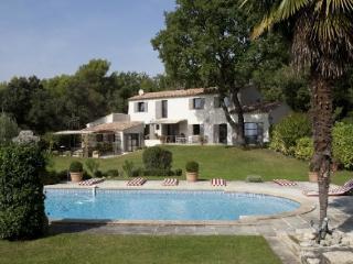 Aix en Provence 5 Bedroom Holiday Villa Rental with a Pool - Aix-en-Provence vacation rentals