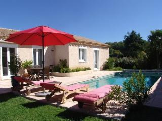 Holiday Rental 3 Bedroom Villa with Pool, Venelles, Bouches-du-Rh - Pourrieres vacation rentals