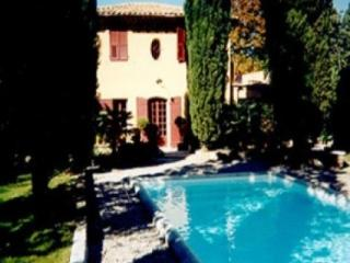 Gorgeous 3 Bedroom Aix En Provence Vacation House Rental - Aix-en-Provence vacation rentals