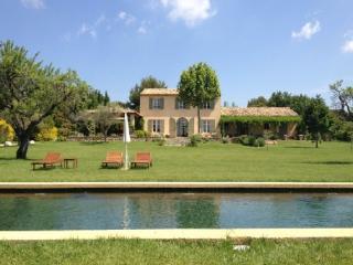 Aix en Provence Fantastic 4 Bedroom Vacation Home - Aix-en-Provence vacation rentals