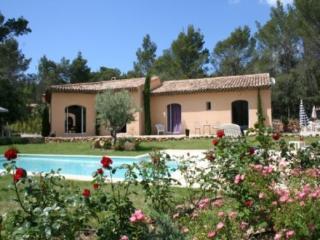 Aix-en-Provence Holiday Rental, 3 Bedroom Villa with a Pool - Aix-en-Provence vacation rentals