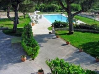 Stunning 6 Bedroom Villa Holiday Rental with a Pool, Aix En Provence - Le Puy-Sainte-Reparade vacation rentals