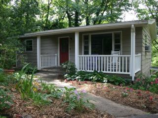 Cozy 2 bedroom Asheville House with Internet Access - Asheville vacation rentals